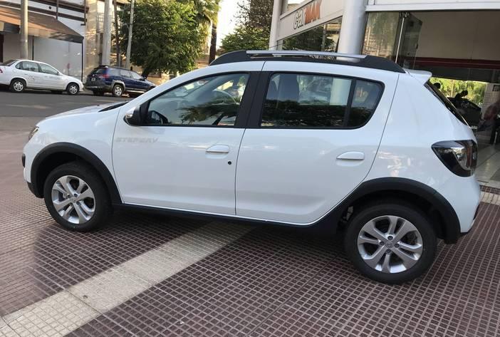 RenaultSanderoprivilege4