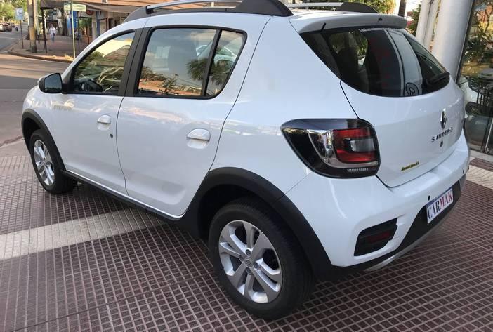 RenaultSanderoprivilege5