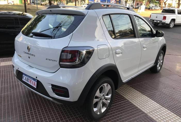 RenaultSanderoprivilege7