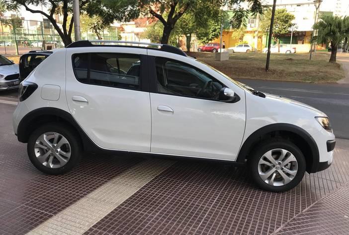 RenaultSanderoprivilege8