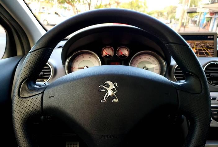 Peugeot308felineposadasmisiones20