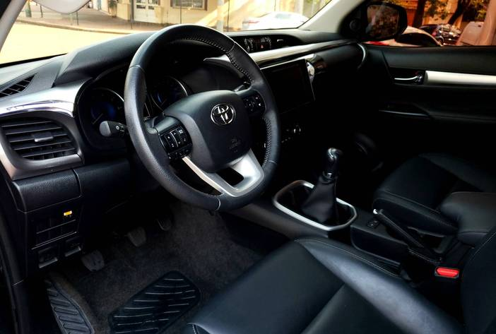 ToyotaHilux2.8usadamisionesposadascarmak11