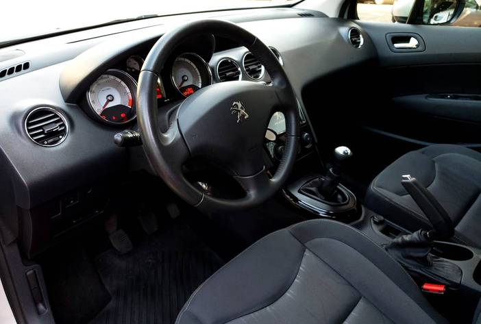Peugeot408usadoposadasmisionescarmakagenciadeautos9