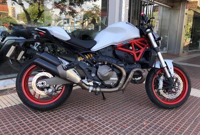 DucattiMonster821MotosUsadasCarmak