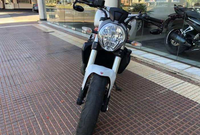 DucattiMonster821MotosUsadasCarmak2