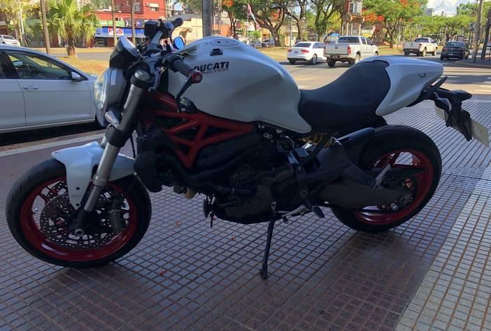 DucattiMonster821MotosUsadasCarmak3