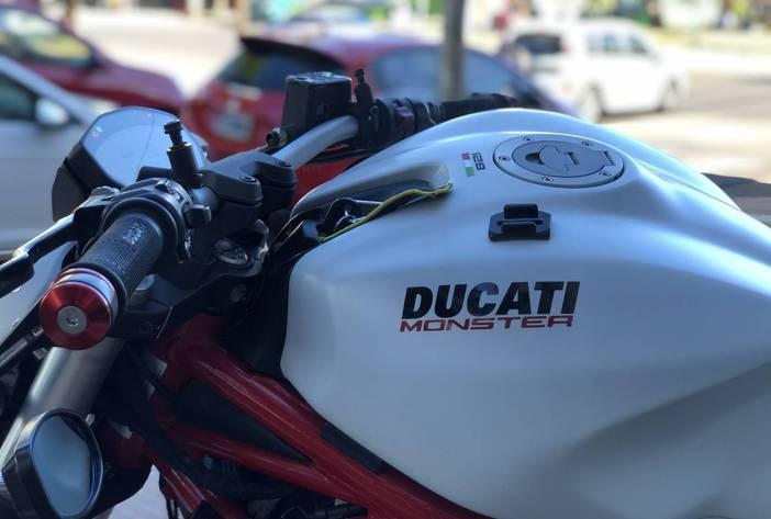 DucattiMonster821MotosUsadasCarmak13