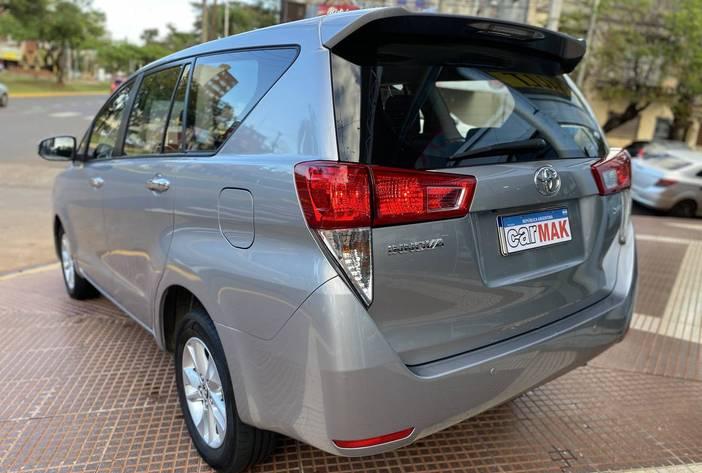 ToyotaInnovaAutosUsadosPosadasCarmak5