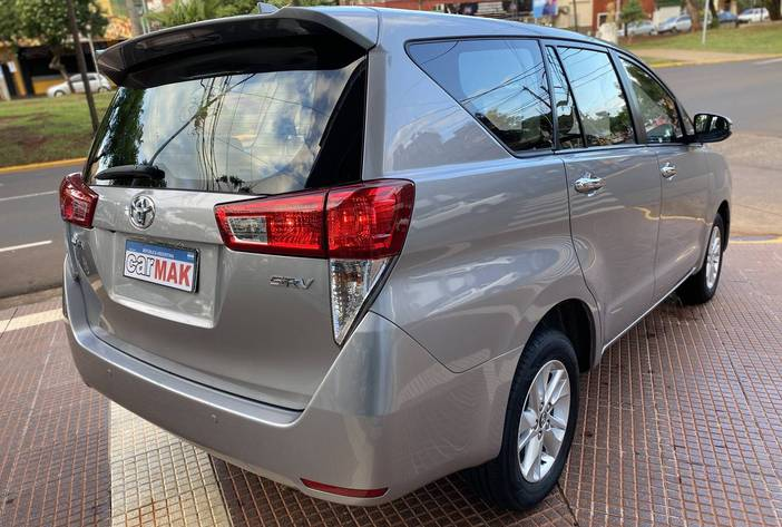 ToyotaInnovaAutosUsadosPosadasCarmak7