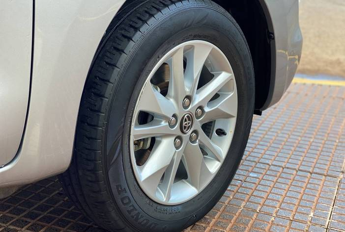 ToyotaInnovaAutosUsadosPosadasCarmak9