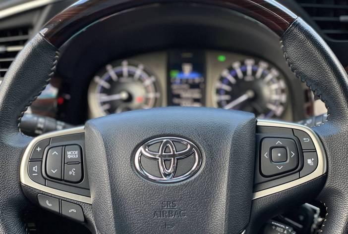 ToyotaInnovaAutosUsadosPosadasCarmak18