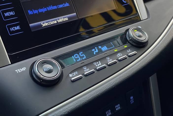 ToyotaInnovaAutosUsadosPosadasCarmak22