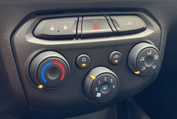 ChevroletOnixAutosUsadosPosadasCarmak16
