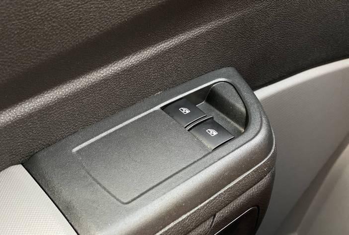 ChevroletOnixAutosUsadosPosadasCarmak18