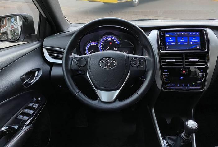 ToyotaYarisSAutosUsadosPosadasCarmak15