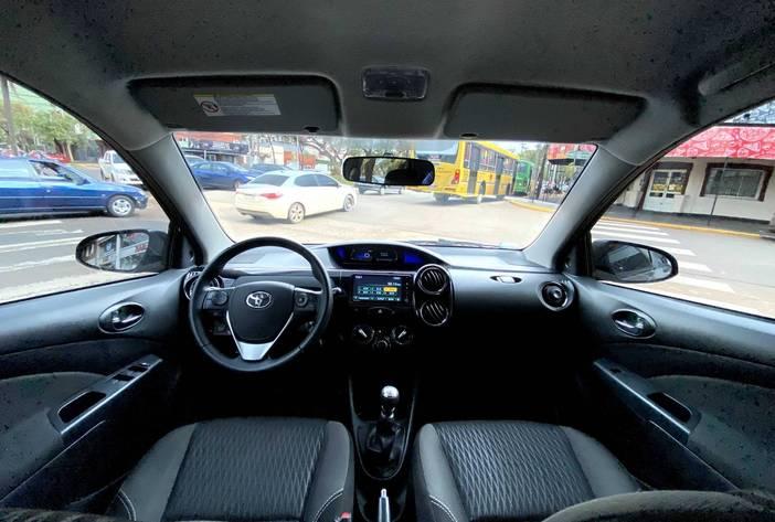 ToyotaEtiosAutosUsadosPosadasCarmak16.heic