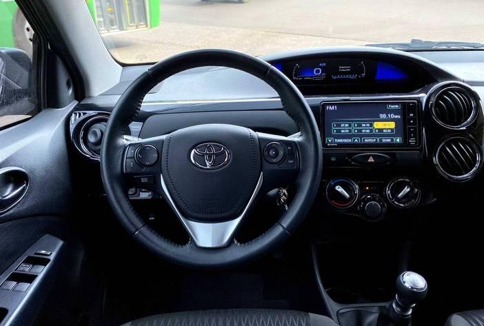 ToyotaEtiosAutosUsadosPosadasCarmak15.heic
